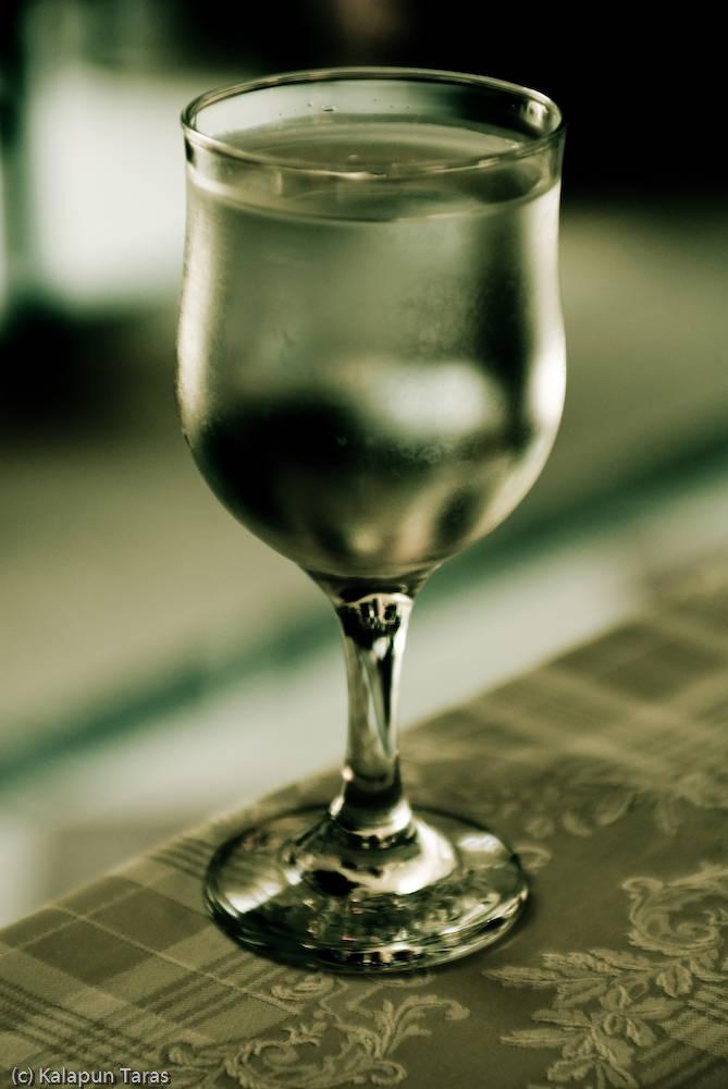 น้ำแก้ว
